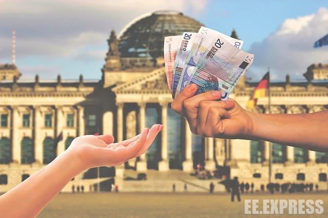 С 2019 года украинцам нужно будет вносить НДС за почтовые отправления из-за границы, которые оценены в более чем сто евро.
