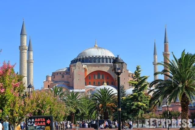 What to bring from Turkey: amulets and ceramics